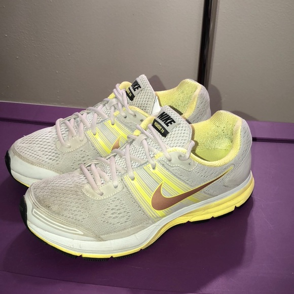 nike shoes pegasus women's 29 waist is what size 832069